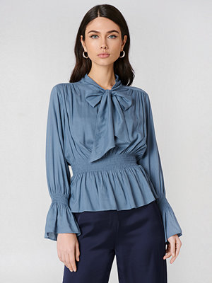 NA-KD Boho Shirred Detail Tie Neck Blouse - Blusar