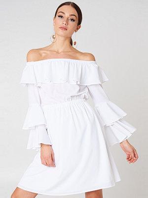 NA-KD Boho Off Shoulder Ruffle Mini Dress