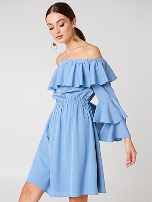 NA-KD Boho Off Shoulder Ruffle Mini Dress