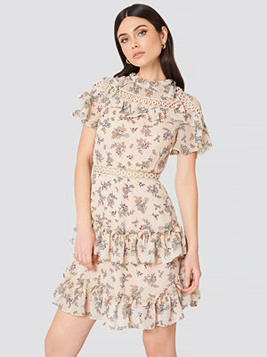 Glamorous High Neck Floral Ruffle Dress - Midiklänningar