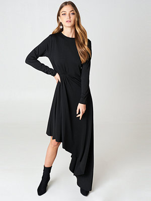 NA-KD Party LS Draped Jersey Dress svart