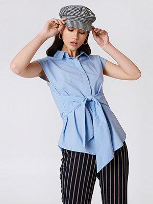 NA-KD Classic Tied Waist Cap Sleeve Shirt