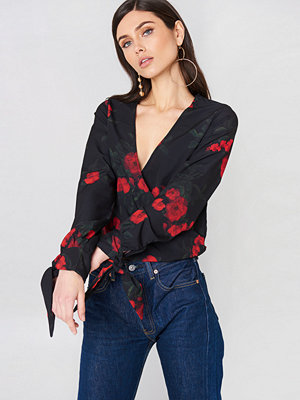 NA-KD Trend Tied Sleeve Wrap Over Top