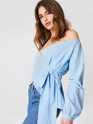 Skjortor - NA-KD Trend Slip Shoulder Tie Waist Shirt