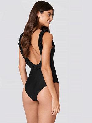 NA-KD Swimwear Deep Back Ruffle Swimsuit - Baddräkter
