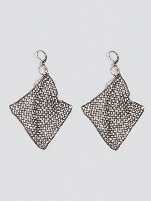 NA-KD Party Hanging Rhinestone Mesh Earrings - Smycken