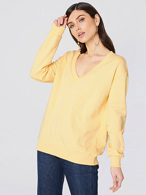 NA-KD Basic V-neck Basic Sweater gul