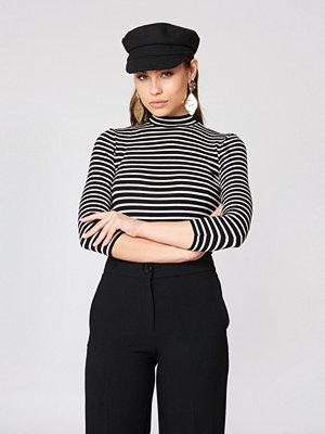 Trendyol Vertical Collar Stripe Sweater