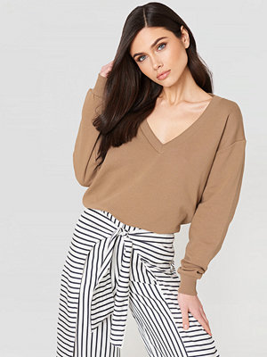 NA-KD Basic V-neck Basic Sweater beige