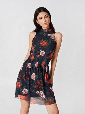 NA-KD Mesh Smock Dress - Miniklänningar