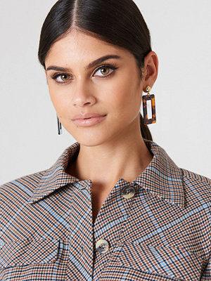 NA-KD Accessories smycke Square Hanging Resin Earrings