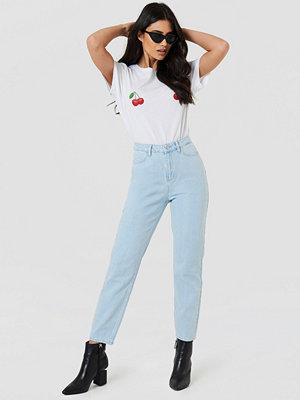 NA-KD Loose Fit Jeans blå