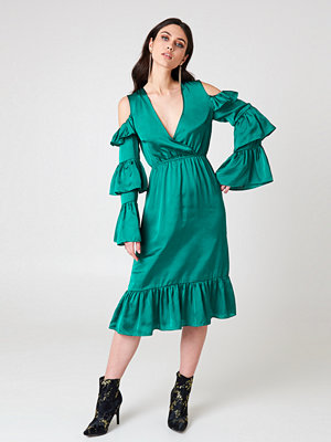 NA-KD Party Cold Shoulder Ruffle Midi Dress