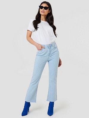 NA-KD Kick Flare Jeans