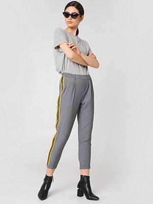 Sisters Point grå byxor Nau Pants