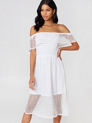 Rut & Circle Li Lace Off Shoulder Dress