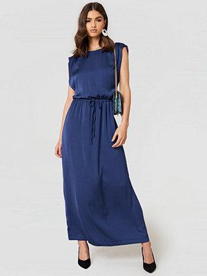 Saint Tropez Tie Waist Maxi Dress