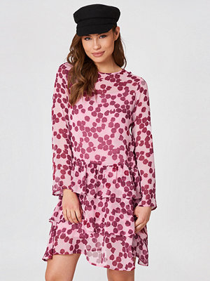 NA-KD Boho Long Sleeve Frill Dress