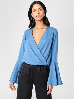 NA-KD Overlap Front Blouse - Blusar