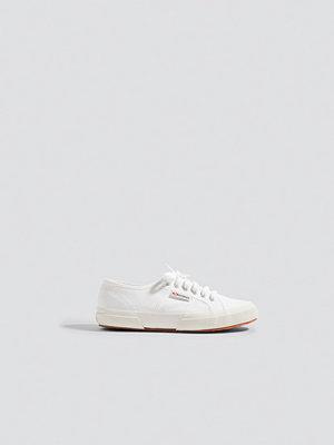 Sneakers & streetskor - Superga Märkessneakers vit