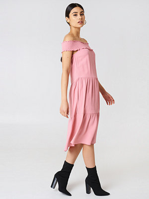 NA-KD Boho Off Shoulder Crepe Midi Dress