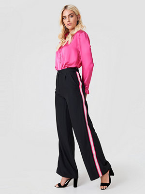 Trendyol svarta byxor Wide Side Striped Pants