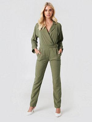 Trendyol Wrap Belted Jumpsuit grön