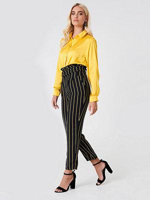 Trendyol svarta randiga byxor Multistripe Paperbag Pants