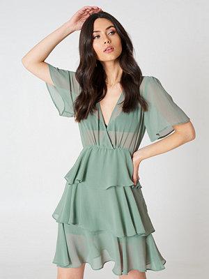 NA-KD Boho Triple Layer Flounce Dress - Miniklänningar
