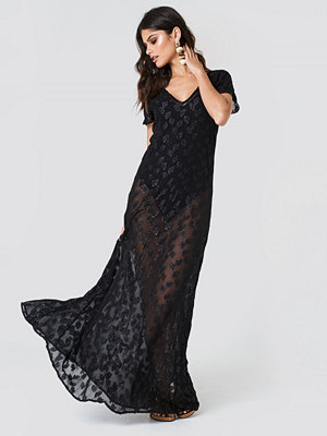 NA-KD Boho Sheer Glitter V-Neck Maxi Dress svart
