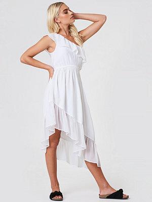 Andrea Hedenstedt x NA-KD One Shoulder Asymmetric Flounce Dress - Midiklänningar