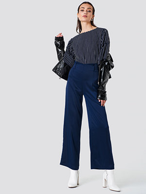 Rut & Circle Petra Wide Pant - Utsvängda byxor marinblå