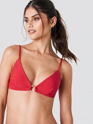 J&K Swim x NA-KD Circle Detail Bikini Top röd