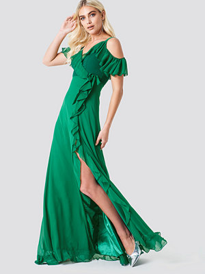 Trendyol Cold Shoulder Frill Maxi Dress - Maxiklänningar