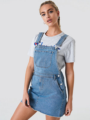 NA-KD Dungaree Dress blå