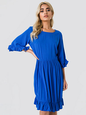 Trendyol Buttoned Back Midi Dress - Midiklänningar