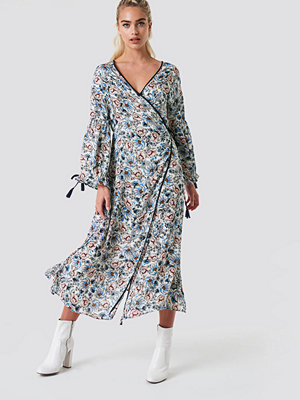 Glamorous Wrap Maxi Floral Dress