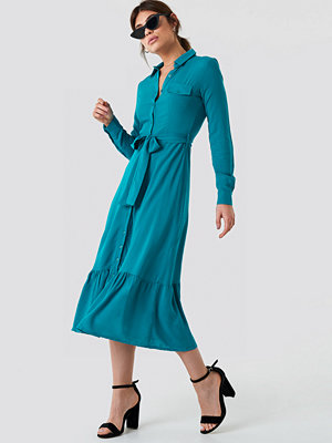 Trendyol Ruffle Bottom Shirt Dress blå turkos