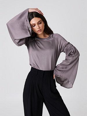 Rut & Circle Clara Detail Sleeve Blouse