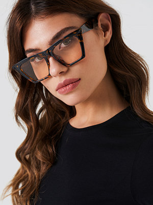 NA-KD Urban Sharp Cat Eye Sunglasses - Solglasögon
