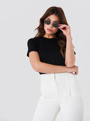T-shirts - NA-KD Basic Viscose Basic Tee svart