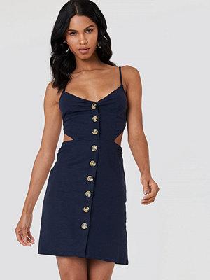 NA-KD Boho Open Back Linen Look Dress