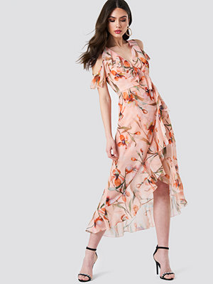 Trendyol Cold Shoulder Flower Dress