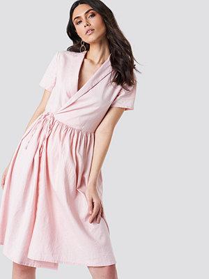 Kristin Sundberg for NA-KD Overlapped Midi Dress - Midiklänningar