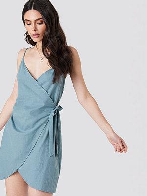 Kristin Sundberg for NA-KD Side Knot Slip Dress - Miniklänningar