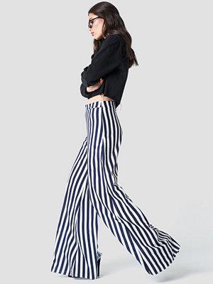 Aéryne Paris Lea Trousers - Utsvängda byxor randiga