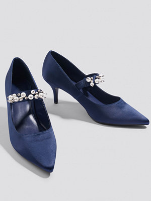 NA-KD Shoes Beaded Strap Satin Pumps blå