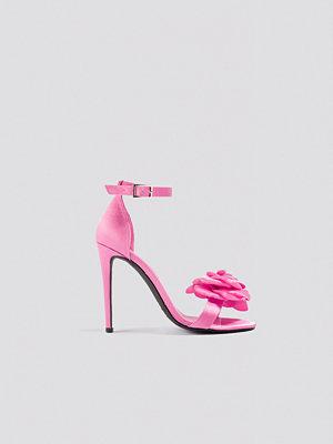 Galore x NA-KD Rose Front Heel rosa