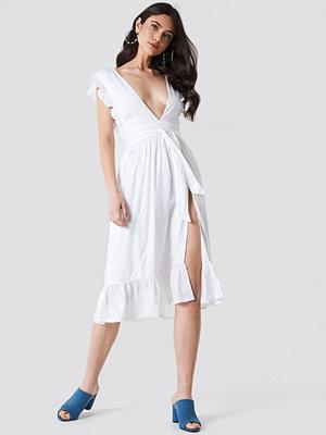 Linn Ahlborg x NA-KD Deep V Frill Sleeve Dress