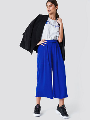 Trendyol omönstrade byxor Wide Short Leg Pants